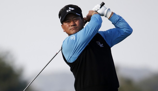 KJ Choi performed very well on the south course in round one and with a better performance on the north course he put himself in the lead after two rounds at the Farmers Insurance Open.
